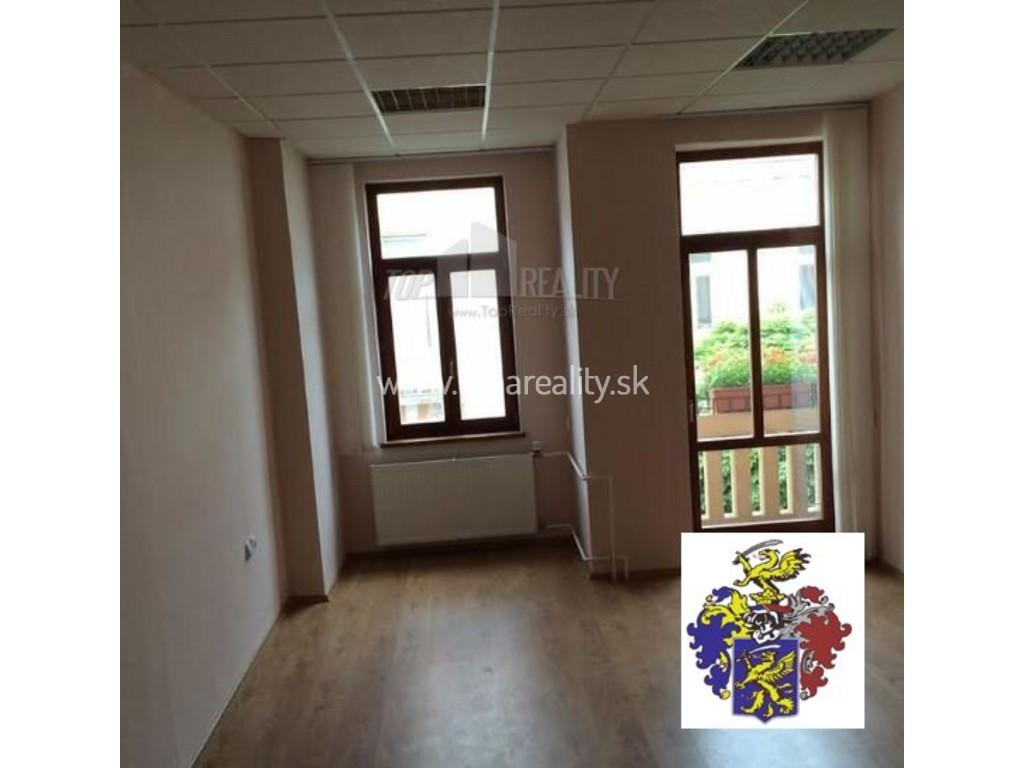 Kancelárie na pešej zóne v Piešťanoch