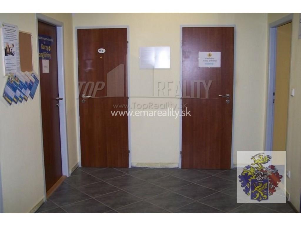3 kancelárie v centre Piešťan, aj samostatne