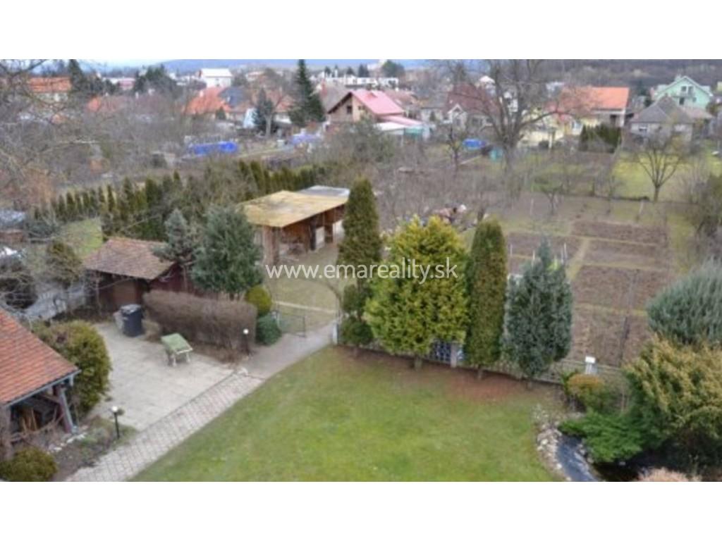 Rodinný dom, možnosť využitia na podnikateľské účely, pozemok 1680m2