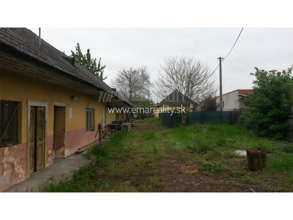 Stavebný pozemok, iba 4 km od Piešťan