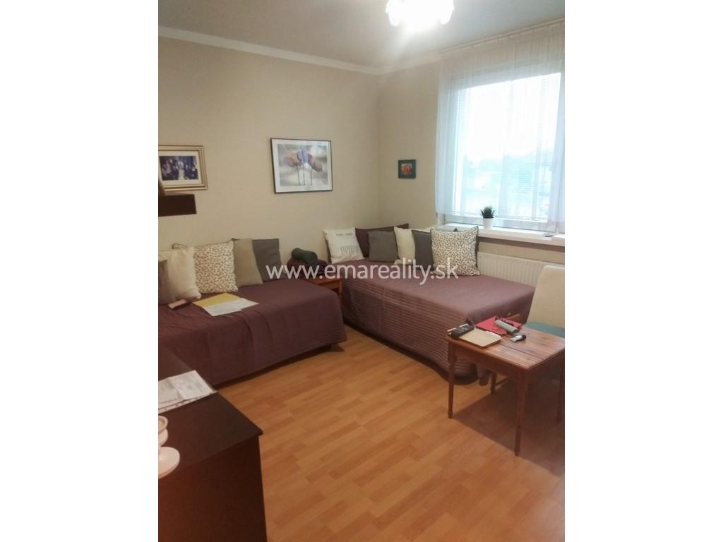 1 izbový byt s parkovacím miestom v Sokolovciach