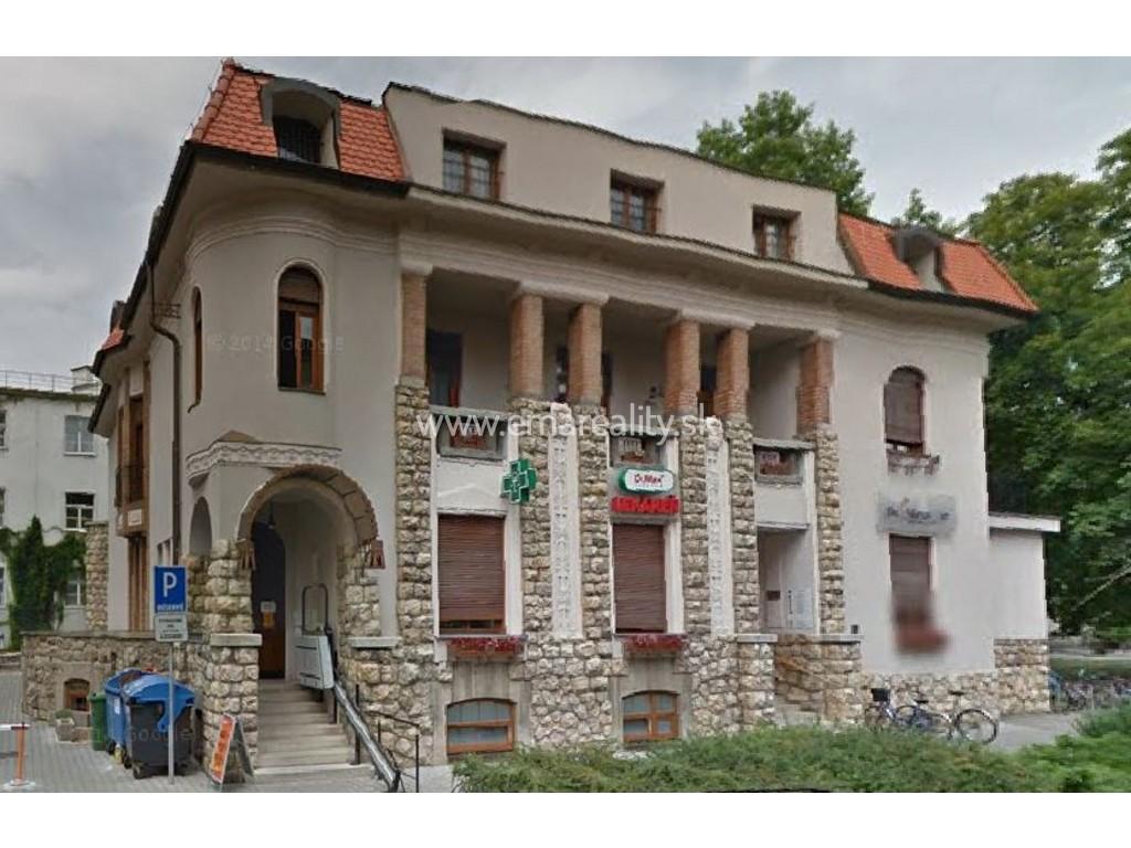 Prenájom administratívneho priestoru v centre Piešťan